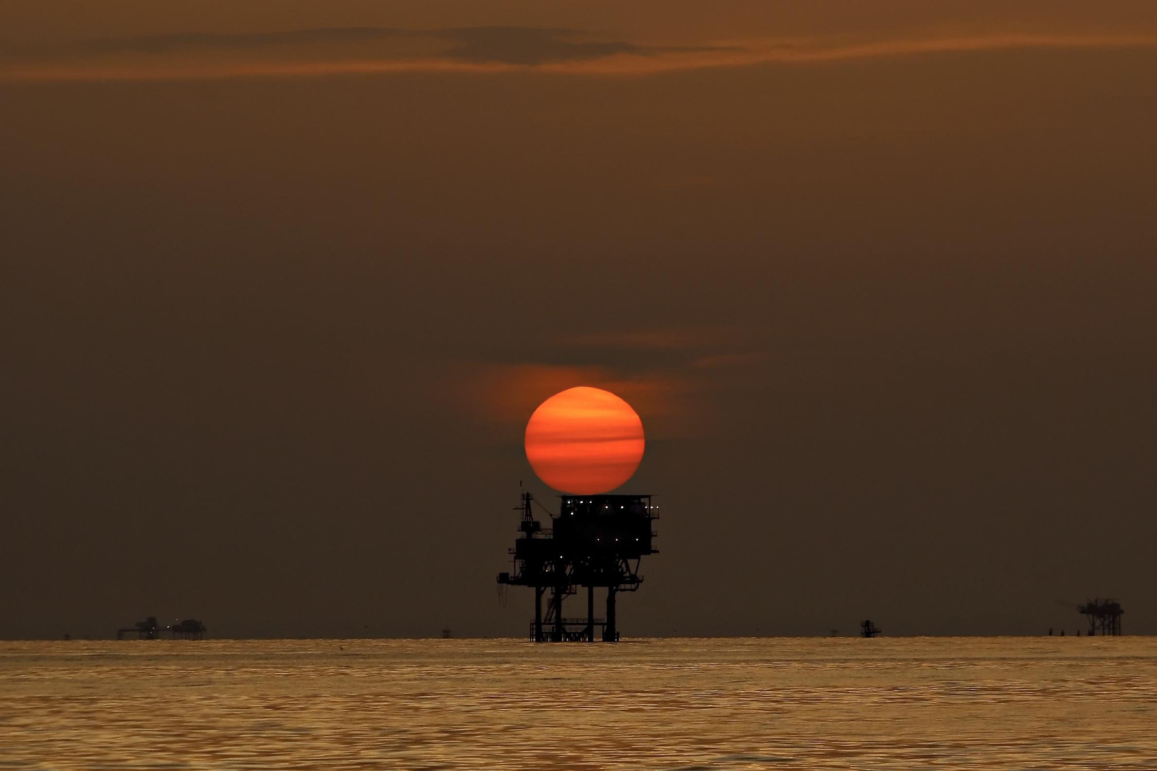 Crude oil price hits multi-month lows as downbeat mood persists