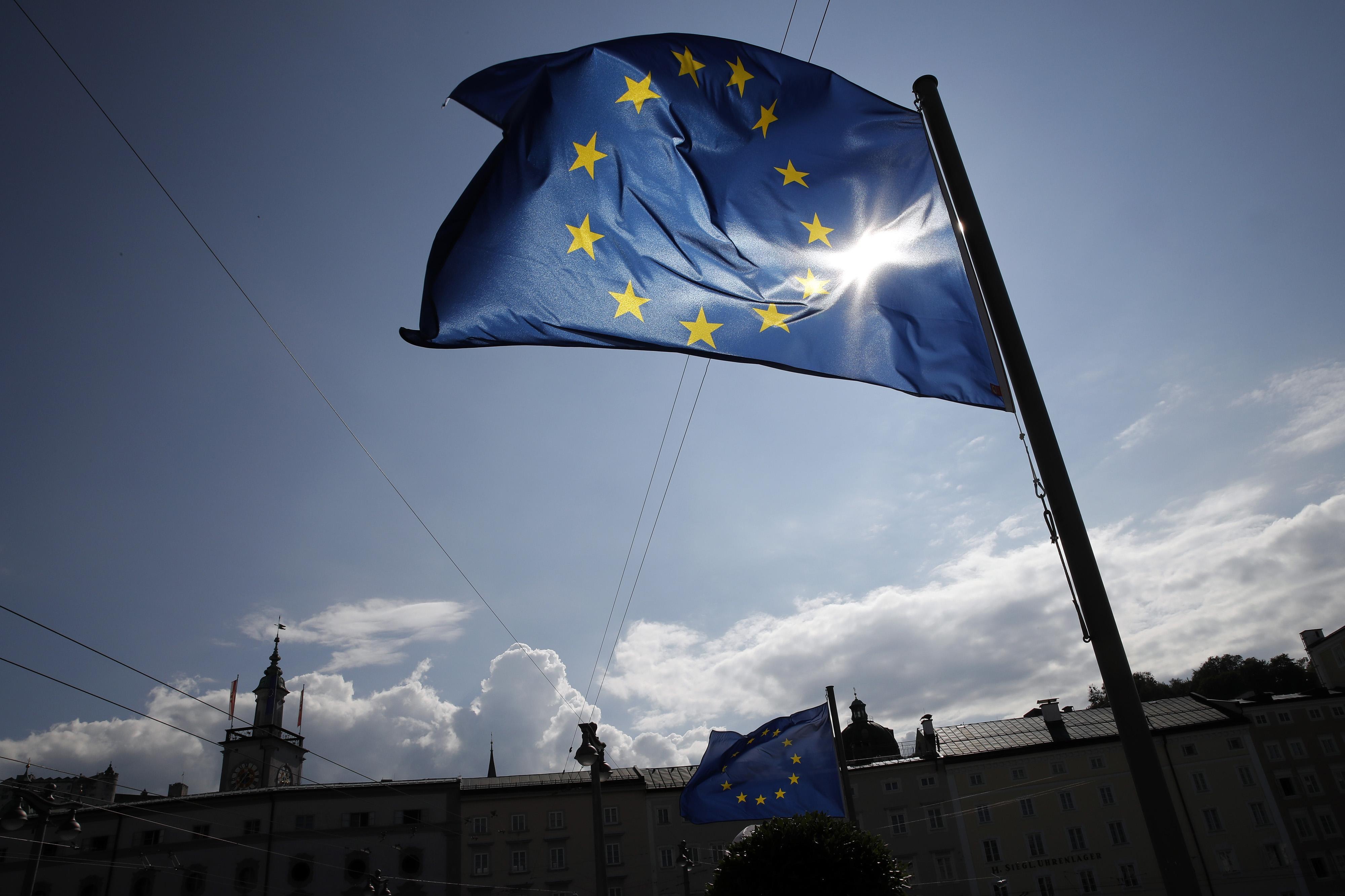 Draghi estudia retomar las compras netas de activos a partir de noviembre