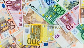 Euro Turns Higher on QE Speculation Ahead of ECB Next Week
