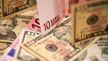 El euro se muestra dubitativo mientras aguarda el testimonio de Jerome Powell