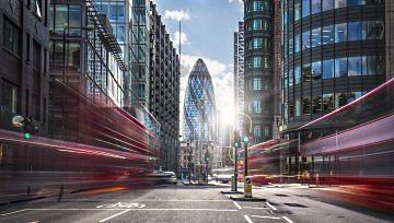 FTSE 100 Outlook – Looking to Break the 200-day, Pattern Neckline