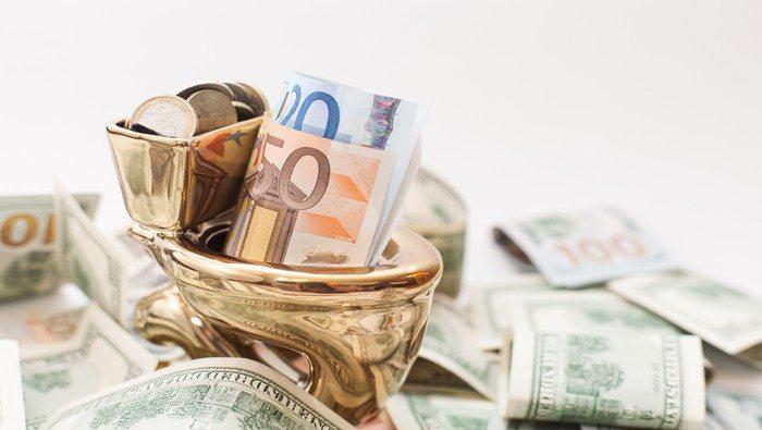 EUR/USD mantiene el pie en el acelerador y busca reconquistar los 1.1000. ¿Lo hará?