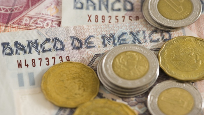 Mexican Peso Gains as Powell Cautions Against a Hasty Move, USD/MXN Tumbles