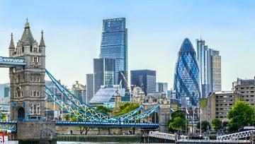 Brexit : Le FTSE 100 profite de la baisse de la livre pour revenir vers ses sommets