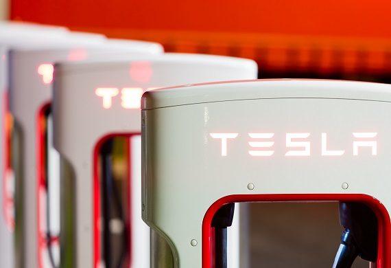 Michael Burry 'Big Short' on Tesla Stock Revealed Ahead of Key FOMC Minutes