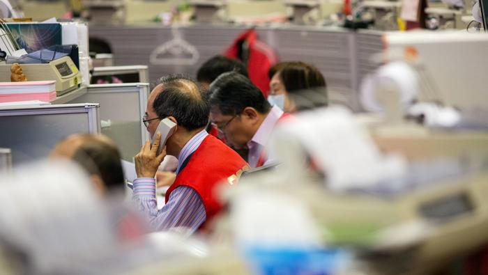 Hang Seng Index Breaks 25,000 as China A50 Tests a Key Resistance