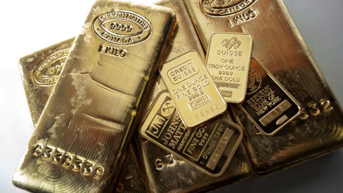 Precio del oro se dispara y parece encaminarse hacia los 1800 $. ¿Qué causa la volatilidad?