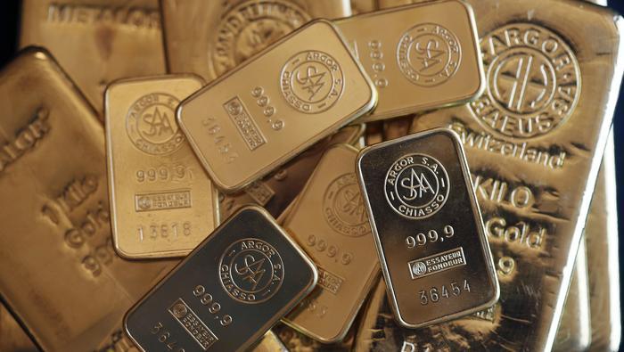 Oro amplía caída y no logra frenar la hemorragia en medio de fiesta alcista en Wall Street