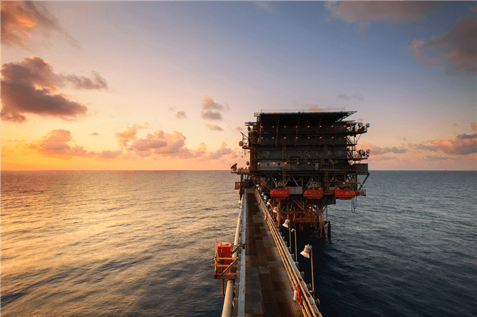 Apprenez à trader sur les cours de pétrole WTI et Brent grâce à ce guide.