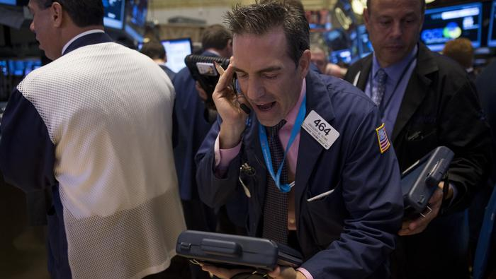 S&P 500 Slips, Nasdaq Tumbles as Stocks Wince at Jobless Claims