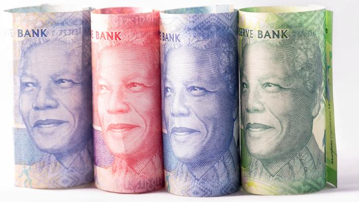 USD/ZAR Price Forecast: ZAR Boosted by Weaker USD but Downside Risks Remain