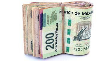 Peso mexicano es azotado por mejor crecimiento económico de lo esperado en Estados Unidos