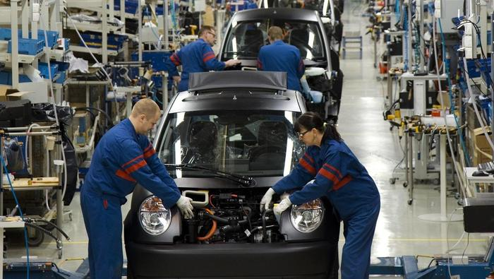 Manufacturing Activity Surges to a Record High, but Services PMI Cools, US Dollar Retreats