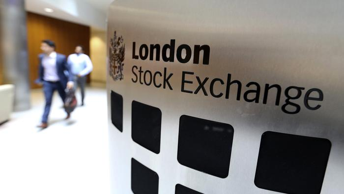 FTSE 100, FTSE 250 Outlook Improves After UK Unemployment Data and Roadmap
