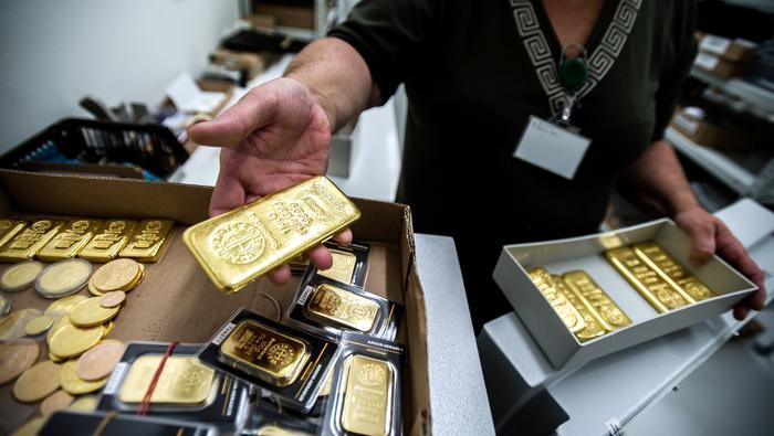 Precio del oro amplía el repunte mientras busca señales de la Fed para consolidar la tendencia