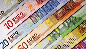 EUR/USD Drop Deepens as USD Strength Continues Ahead of NFP