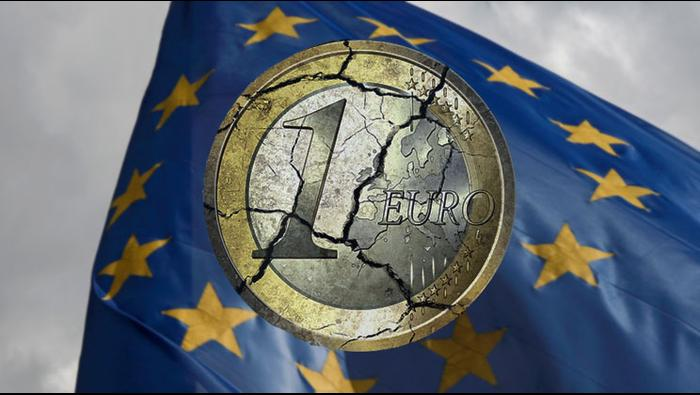Euro Price Forecast: EUR/USD Plummets Towards Support at 2021 Low