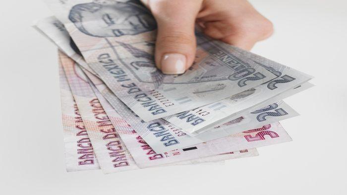 Peso mexicano agoniza por alza de tasas a largo plazo en EE. UU., el USD/MXN sube como espuma