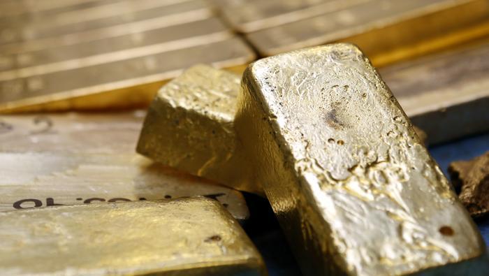 Precio del oro se despega de los fundamentales por turbulencia sin precedentes. ¿Y ahora?