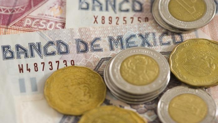 Banxico deja en 4% su tasa de interés y prende las alarmas sobre la inflación, USD/MXN cae
