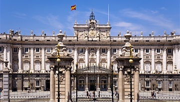 Spanish Politics: Negative for Madrid Stocks, Positive for Government Bonds