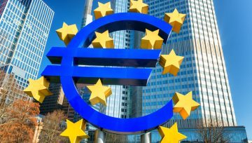 Euro Expected to be Most Volatile So Far This Year on ECB Risk