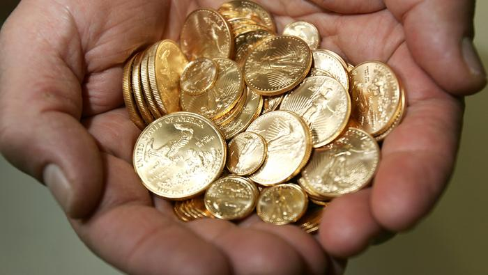 Oro no consigue escapar de las garras de los vendedores y profundiza caída. ¿Qué pasa?
