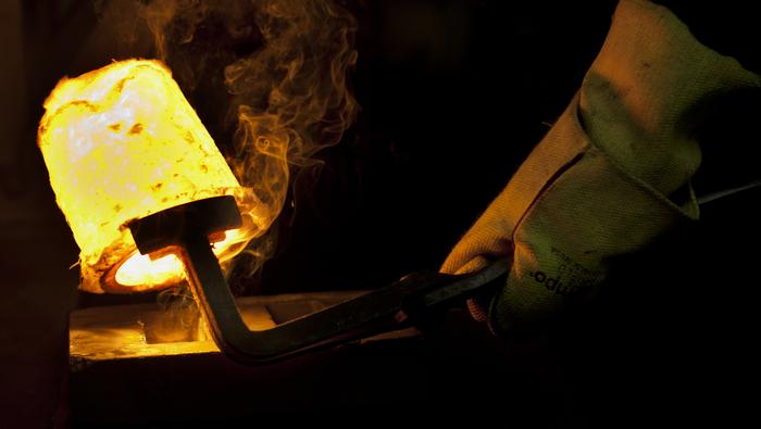 Gold Prices May Stay High as 2008 Crisis Cure Bedevils Covid-19 Policy