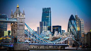 FTSE 100 : l'indice londonien validera-t-il une tête-épaules au terme de cette semaine volatile ?