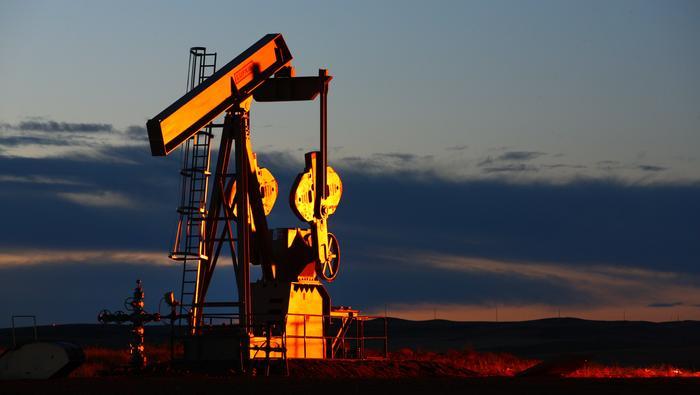 Petróleo queda preso en manos de los vendedores, pero mantiene un perfil alcista