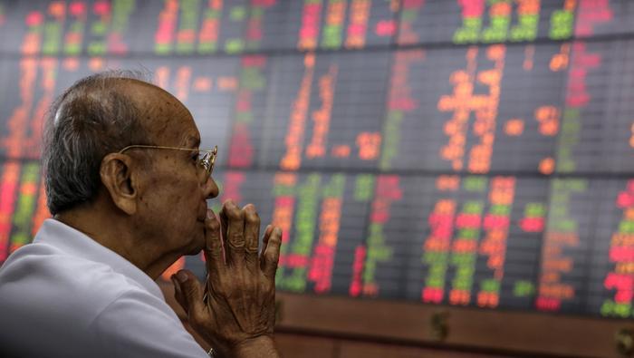 Apertura Ibex 35 hoy. Los bonos tiñen las bolsas de rojo, cae todo menos el dólar