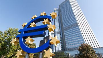 ECB Discussed How Best to Reduce Its QE Program, Euro Eases Gently
