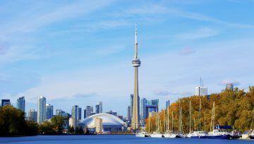 Le dollar canadien rebondit, la banque du Canada lâche ses mentions prudentes