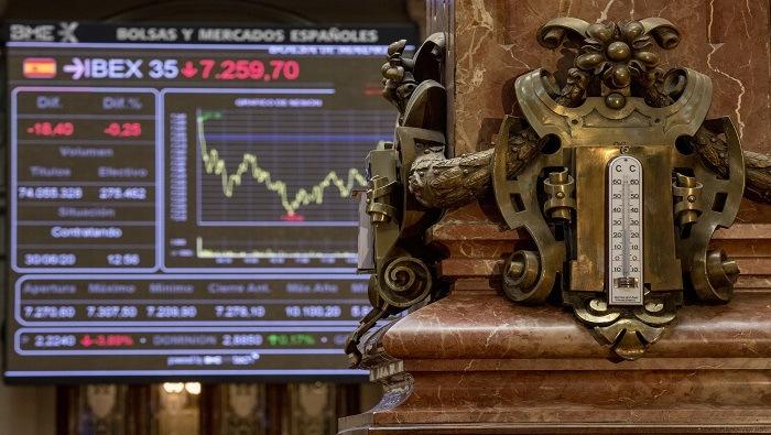 Las acciones de Santander, Repsol y BBVA se preparan para los resultados, ¿qué esperar?