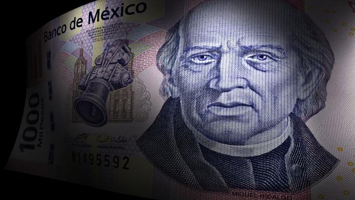 Peso mexicano castiga al dólar mientras los inversores apuestan por Biden y vigilan novedades electorales