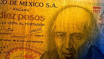 Peso mexicano cosecha amplias ganancias ante debilidad del USD por incertidumbre en cuanto al cierre del gobierno federal de EE. UU.