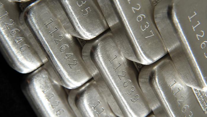 Precio de la plata mantiene tono alcista, pero un nivel de resistencia pone en peligro los avances