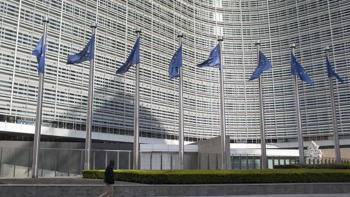 Photo of Euro Charts Suggest Rise, EU Stoxx 50 at Risk Amid Stimulus Talks