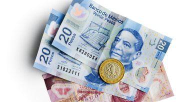 El peso mexicano es abatido en tres frentes y vuelve a colapsar ante al dólar estadounidense