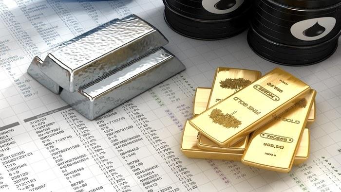 Precio de la plata se derrumba, el oro le sigue los pasos. ¿Corrección pasajera o nueva tendencia?