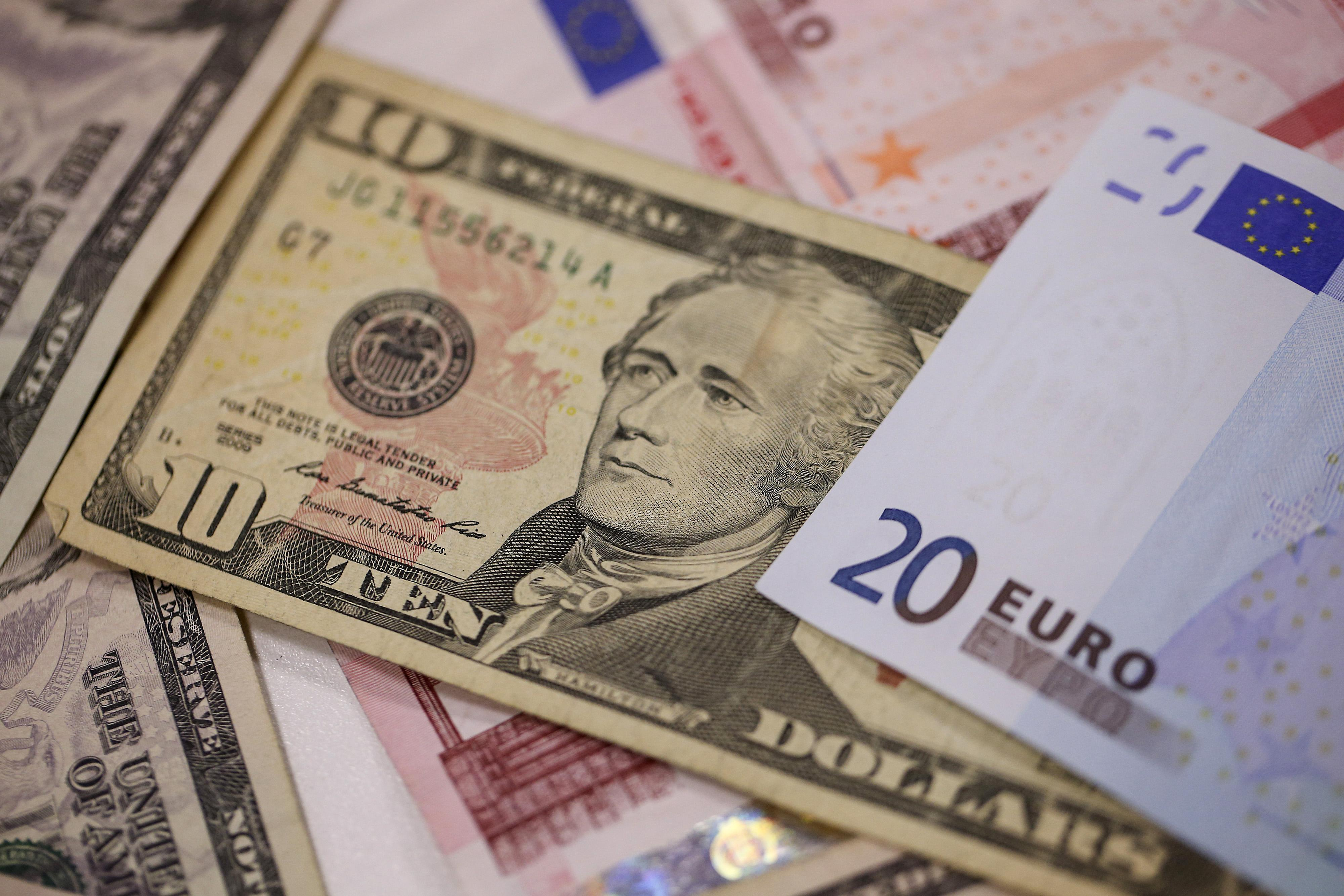 Eur Usd Euro Outperforms For A Change