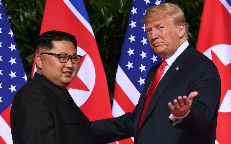 Trump Kim Jung Un at second summit