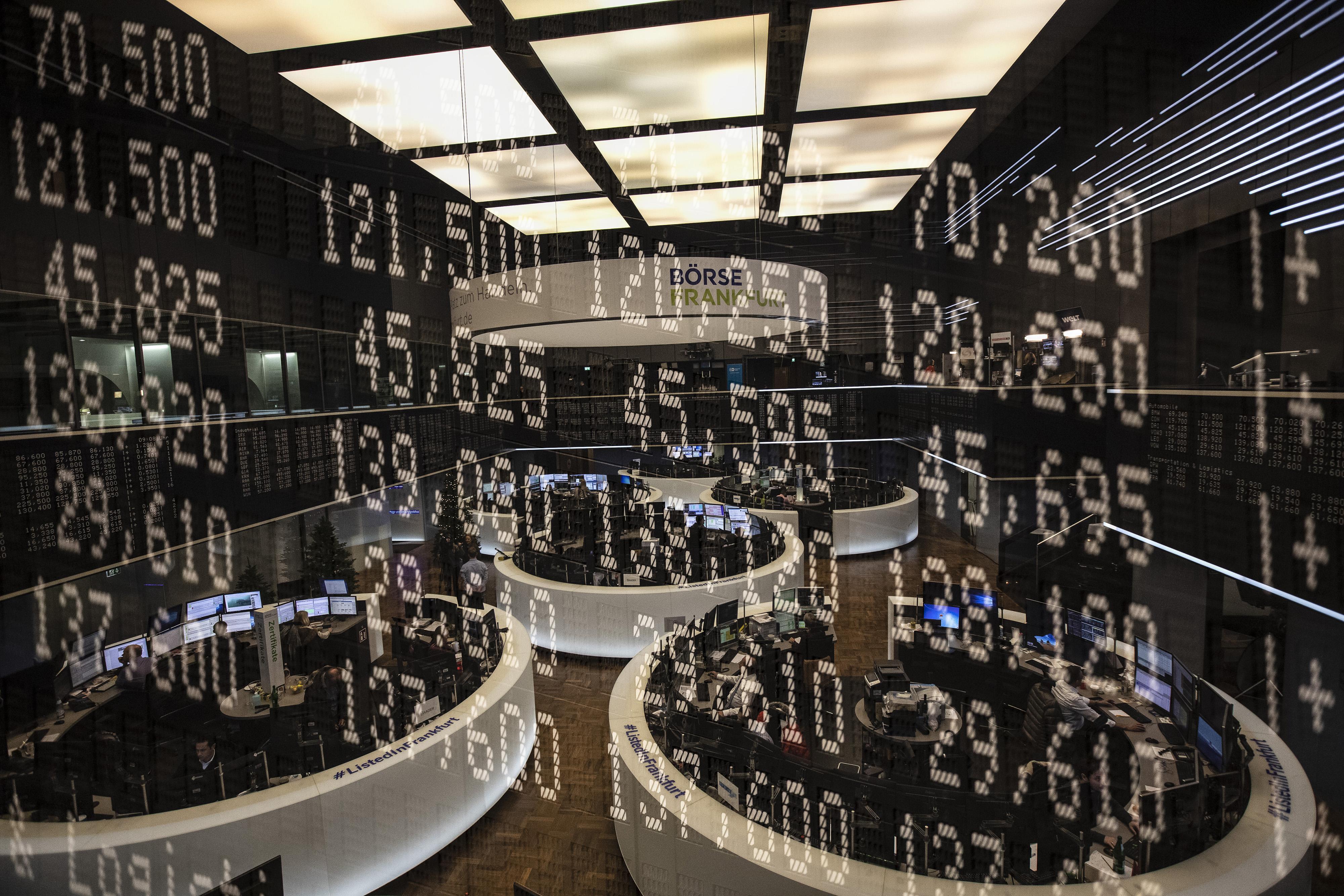 コム ドット 株価 フォース セールス