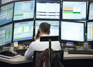 Sie können einen MSCI World-ETF kaufen, sobald Sie ein Wertpapierdepot besitzen. Bei der Suche hilft unser Broker-Vergleich. Unsere Empfehlung: Entscheiden Sie, ob Sie einen MSCI World.