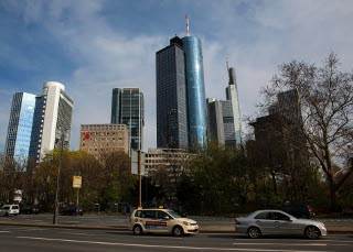 bg_frankfurt_business_district_1422983