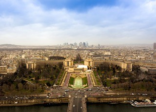 bg_paris_defense_skyline_4448