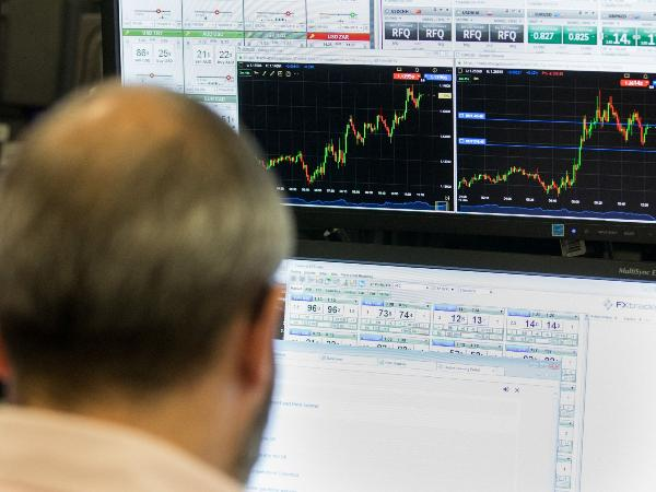 bg_oil_pipework_refinery_1548767