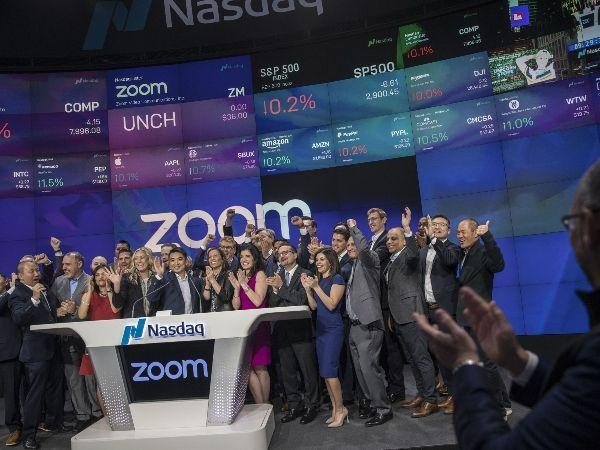 Zoom communication IPO
